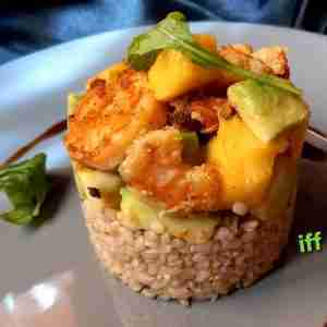 brown rice salad with shrimp and avocado
