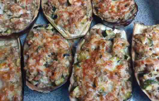 Aubergines Stuffed with Minced Meat
